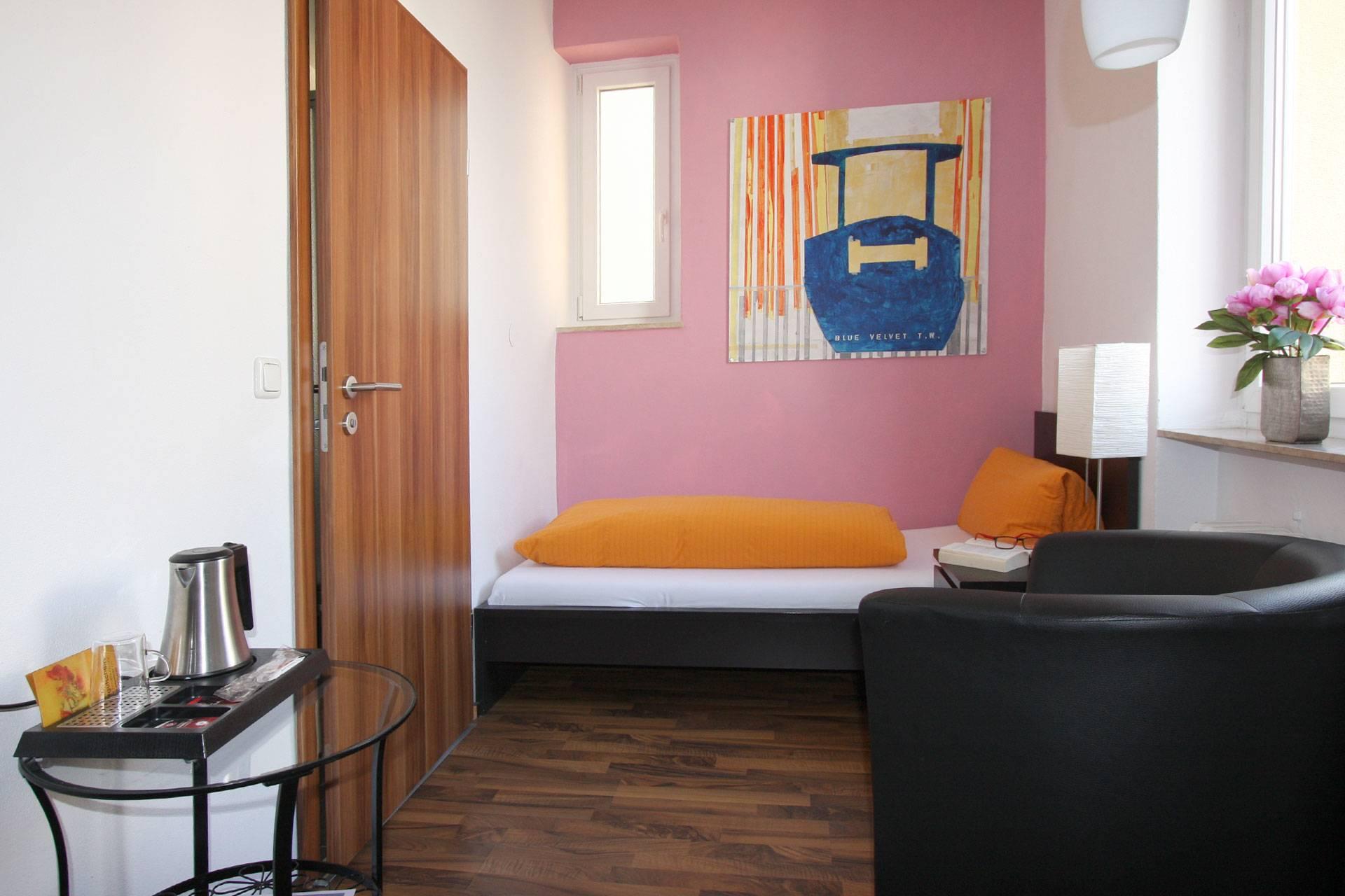 Standard Einzelzimmer | Standard Single Room