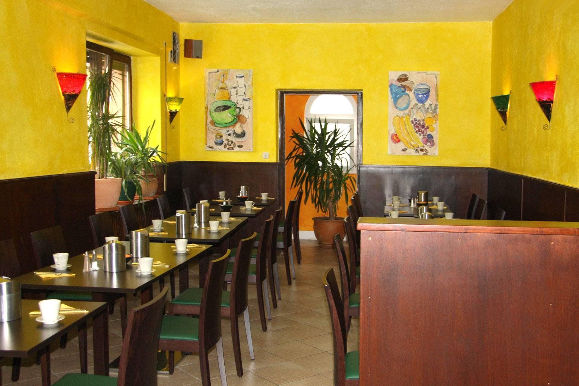 Frühstücksraum | Breakfast Room